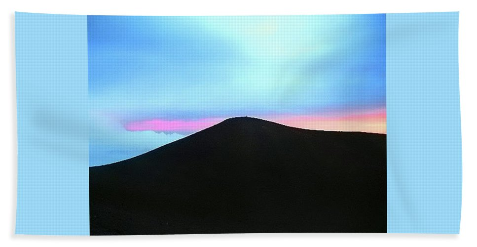 Sunset Bath Sheet featuring the photograph Hawaiian Pastel by Pauline Darrow