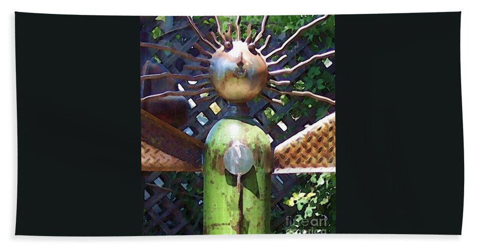 Sculpture Bath Towel featuring the photograph Head For Detail by Debbi Granruth