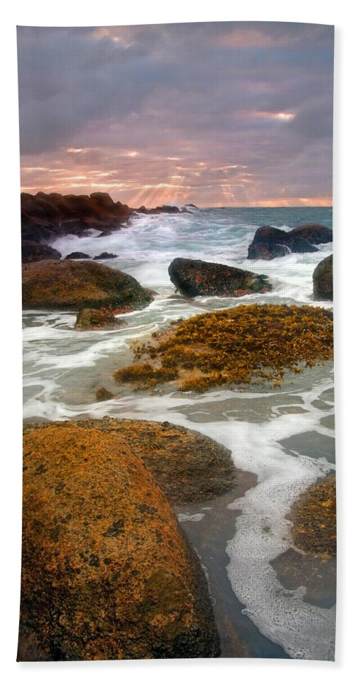 Sunrise Bath Towel featuring the photograph Heavenly Dawning by Mike Dawson