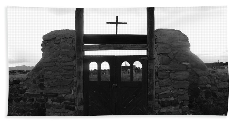 Heaven Hand Towel featuring the photograph Heaven's Gate by David Lee Thompson