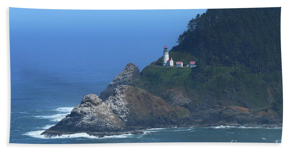 Stone Hand Towel featuring the photograph Heceta Head by Christiane Schulze Art And Photography