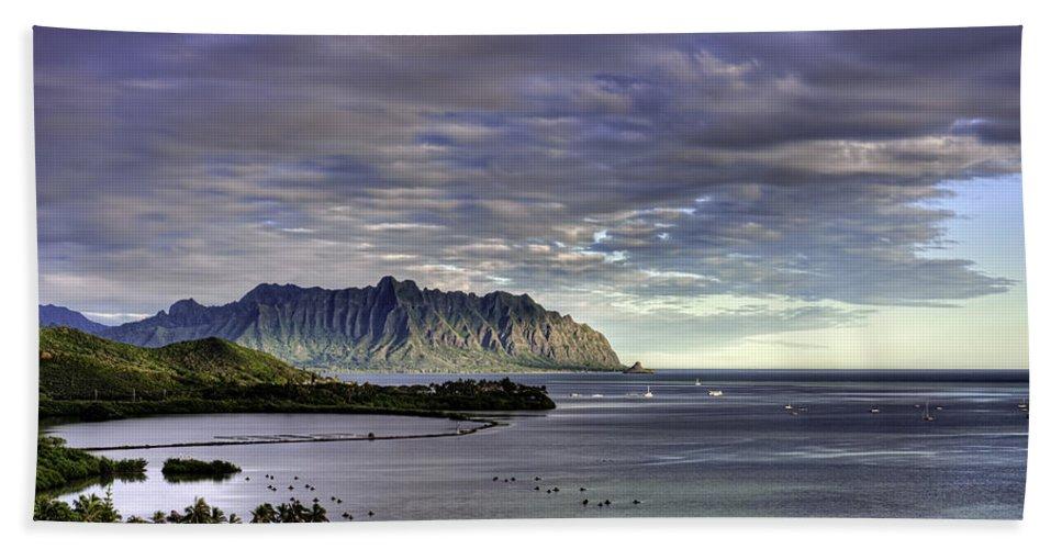 Hawaii Bath Sheet featuring the photograph He'eia And Kualoa 2nd Crop by Dan McManus