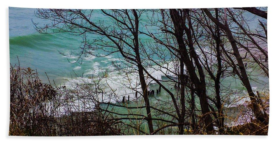 Lake Michigan Hand Towel featuring the photograph Hidden Cove by Jennifer Kohler