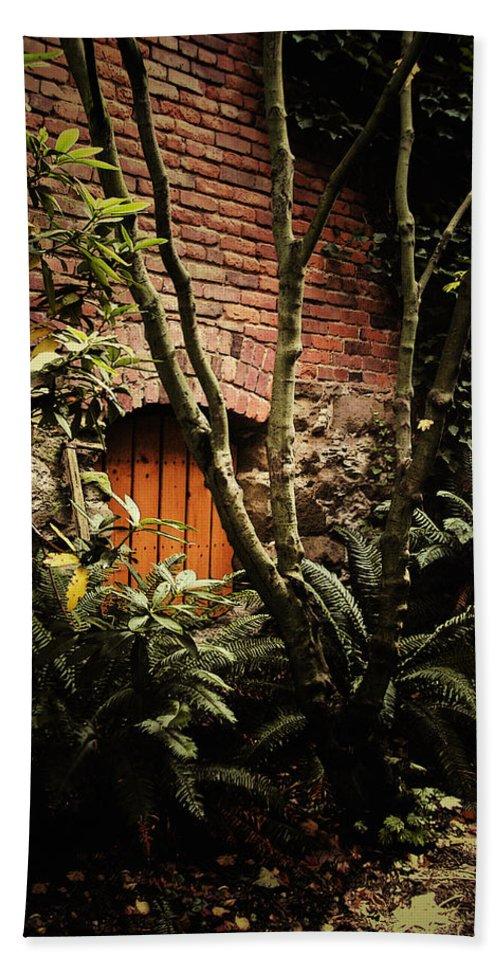 Brick Bath Sheet featuring the photograph Hidden Passage by Tim Nyberg