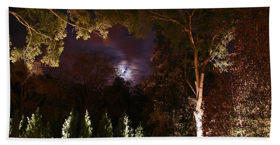 Night Bath Sheet featuring the photograph Higdon House Inn by David Campbell