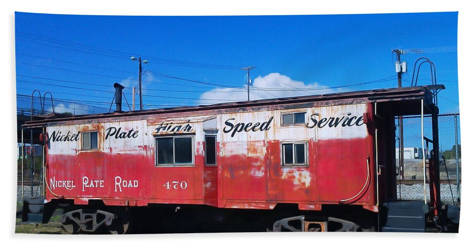 Pat Turner Bath Towel featuring the photograph High Speed Service by Pat Turner