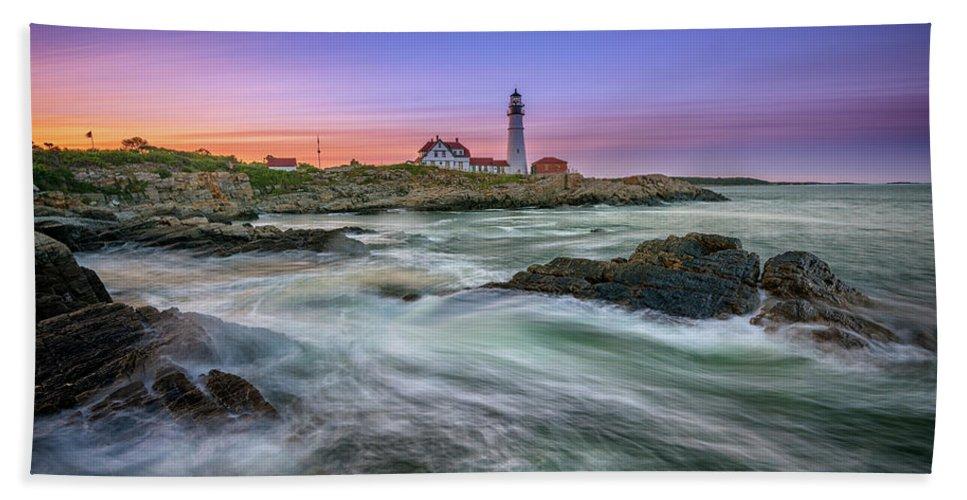Portland Head Lighthouse Hand Towel featuring the photograph High Tide At Portland Head Lighthouse by Rick Berk