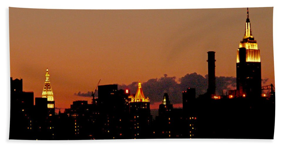 New York Hand Towel featuring the photograph Higher And Higher by Kendall Eutemey