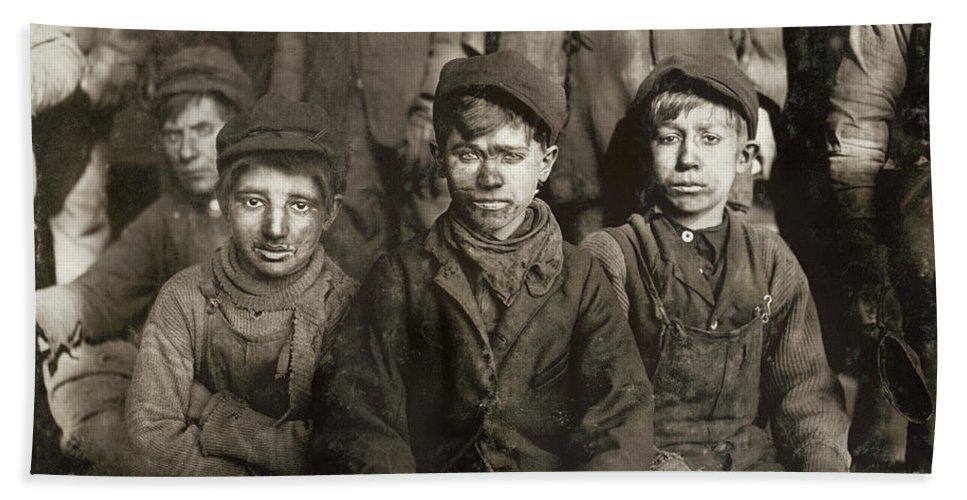 1911 Bath Sheet featuring the photograph Hine: Breaker Boys, 1911 by Granger