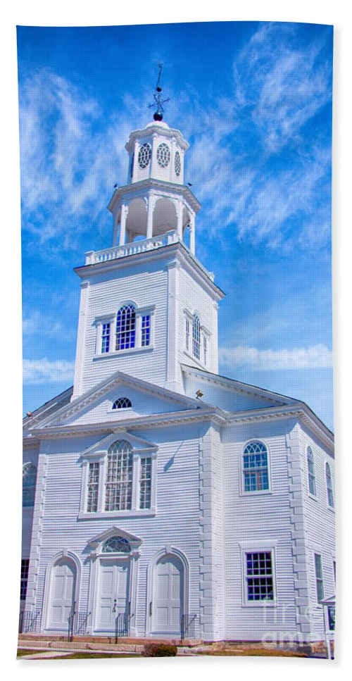 Bennington Hand Towel featuring the photograph Historical Old First Church by Elizabeth Dow