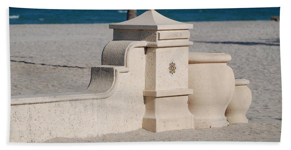 Beach Bath Sheet featuring the photograph Hollywood Beach by Rob Hans