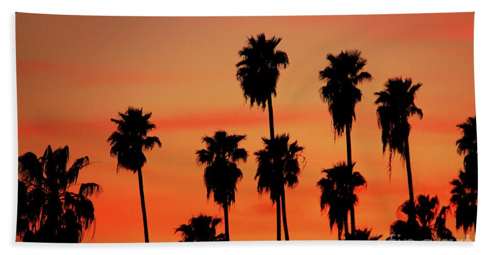 Hollywood Sunset Bath Sheet featuring the photograph Hollywood Sunset by Mariola Bitner
