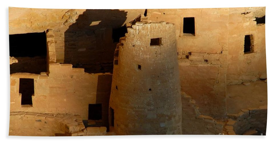 Anasazi Hand Towel featuring the photograph Home Of The Anasazi by David Lee Thompson