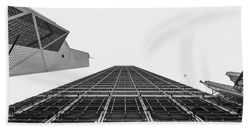 Hong Kong Buildings Bath Sheet featuring the photograph Hong Kong Building Black And White by Charles King