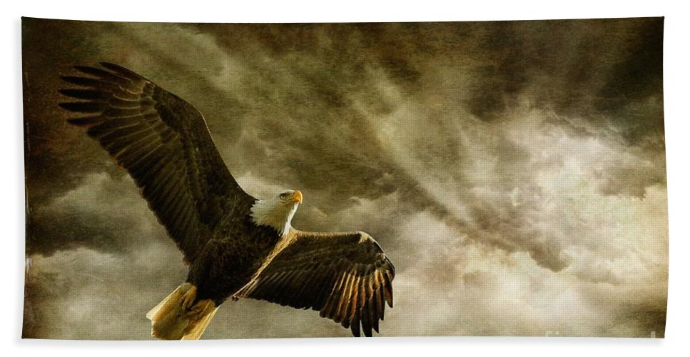 Eagles Hand Towel featuring the photograph Honor Bound by Lois Bryan