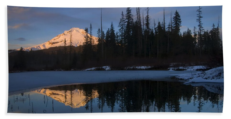 Mt. Hood Hand Towel featuring the photograph Hood Alpenglow by Mike Dawson