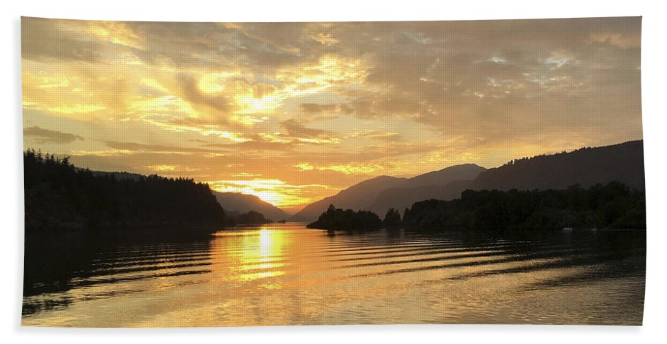 Hood River Hand Towel featuring the photograph Hood River Golden Sunset by Charlene Mitchell