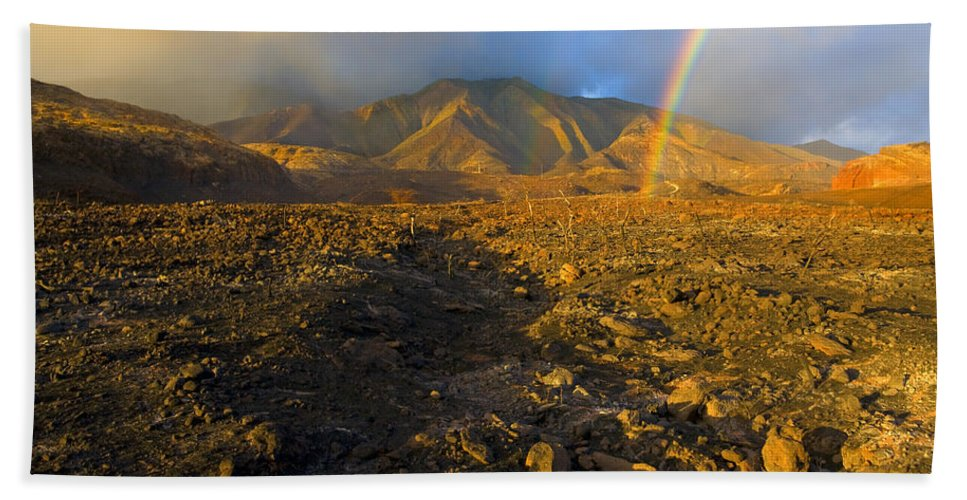 Rainbow Bath Towel featuring the photograph Hope From Desolation by Mike Dawson