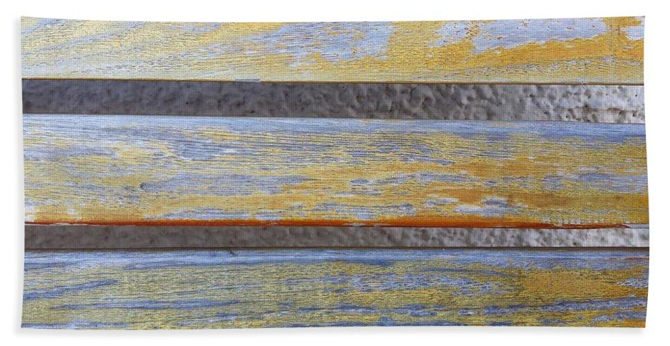 Horizontal Hand Towel featuring the photograph Horizontal by Ann Hamlin