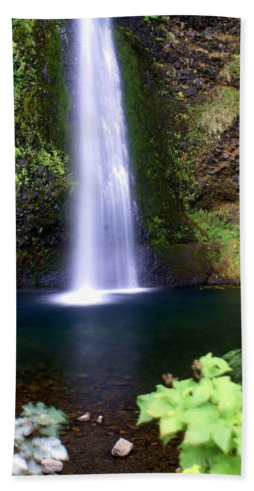 Waterfalls Hand Towel featuring the photograph Horsetail Falls by Marty Koch