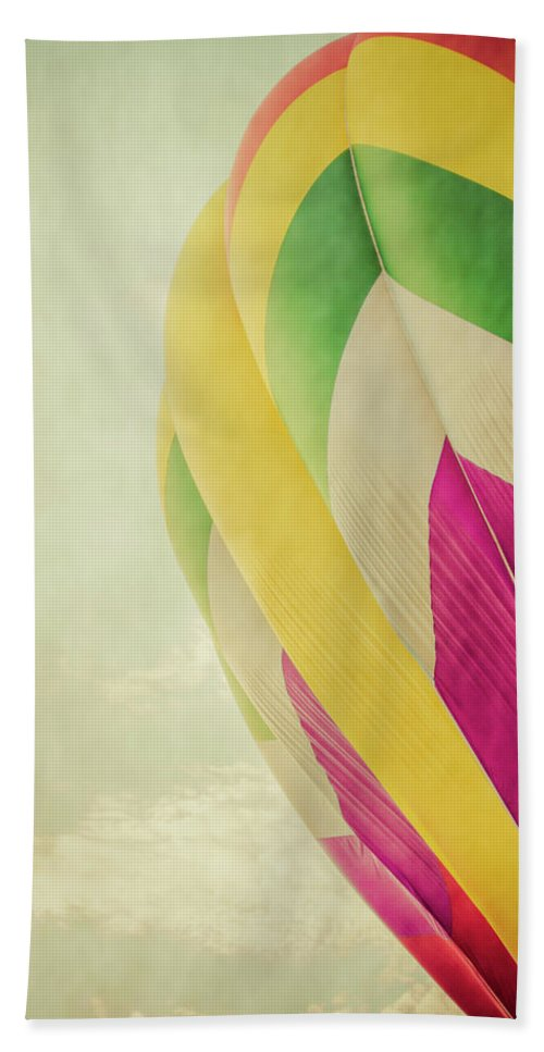Hot Bath Sheet featuring the photograph Hot Air Balloon With Pastel Sky by Erin Cadigan
