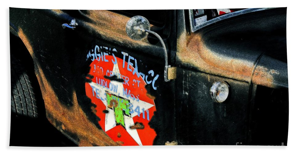 Hot Rod Hand Towel featuring the painting Hot Rod by David Lee Thompson