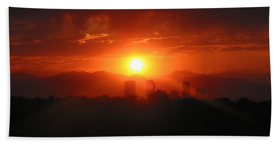 Denver Sunset Hand Towel featuring the photograph Hot Summer Night I Denver Co by Jacqueline Russell