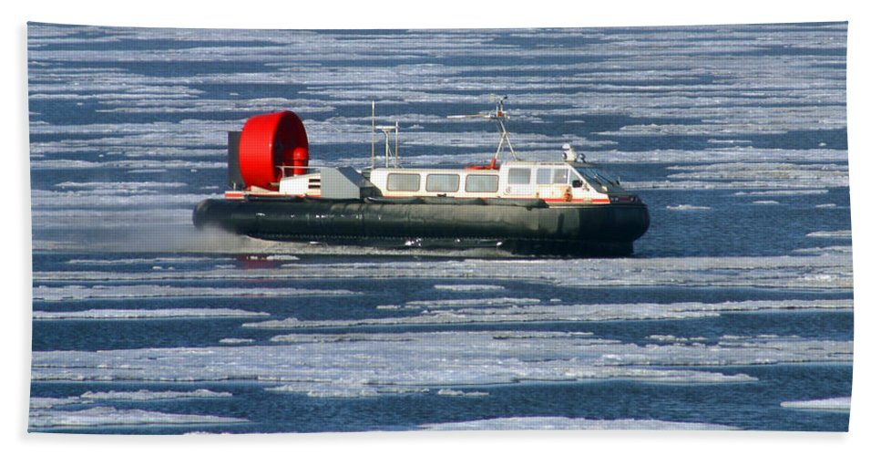Arctic Ocean Bath Towel featuring the photograph Hovercraft On Frozen Artic Ocean by Anthony Jones