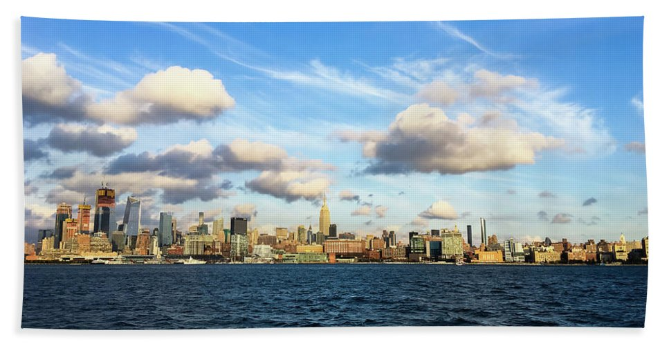 Empire State Building Hand Towel featuring the photograph Hudson Waterfront by Vartika Singh
