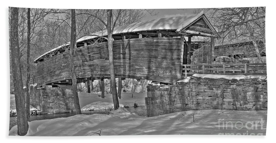 Black And White Bath Sheet featuring the photograph Humpback Bridge by Todd Hostetter