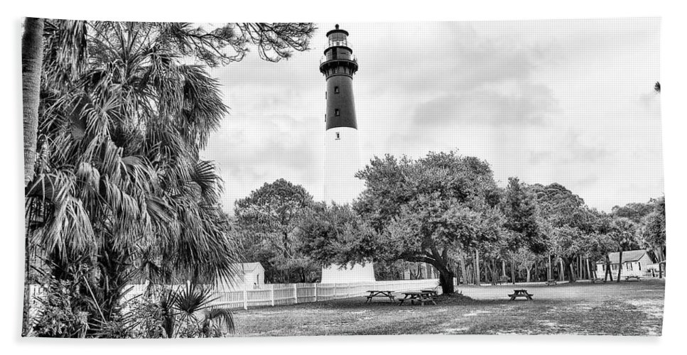 Lighthouse Hand Towel featuring the photograph Hunting Island Lighthouse by Scott Hansen