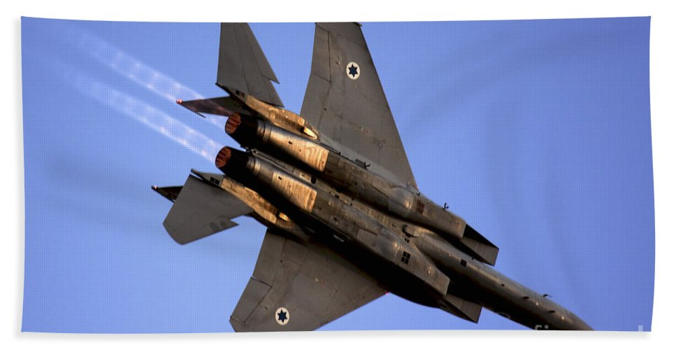 Aircraft Bath Towel featuring the photograph Iaf F15i Fighter Jet On Blue Sky by Nir Ben-Yosef