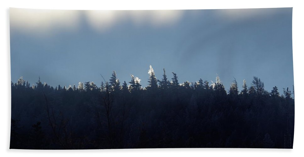 Ice Hand Towel featuring the photograph Icy Sunrise by Cindy Johnston