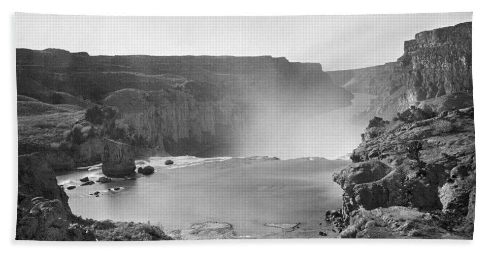 1874 Bath Sheet featuring the photograph Idaho: Snake River Canyon by Granger