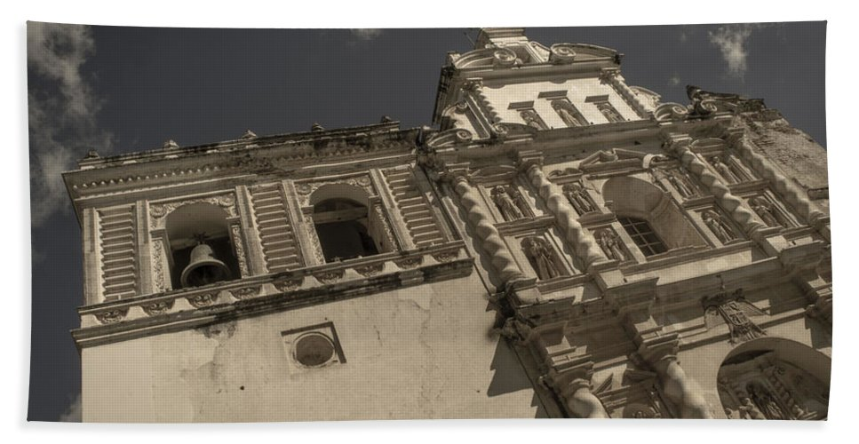 Iglesia San Francisco Bath Sheet featuring the photograph Iglesia San Francisco - Antigua Guatemala Xii by Totto Ponce