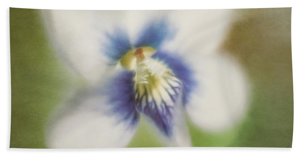 Flower Bath Towel featuring the photograph Impressions of Spring by Scott Norris
