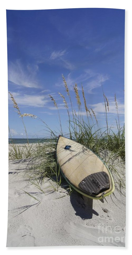 Surfboard Bath Sheet featuring the photograph In The Dunes by Benanne Stiens