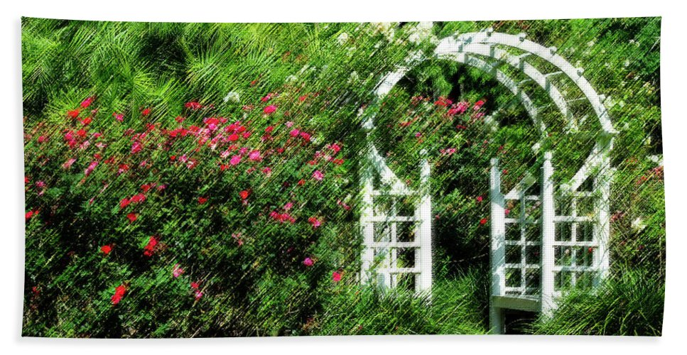 Rose Hand Towel featuring the photograph In The Garden by Carolyn Marshall