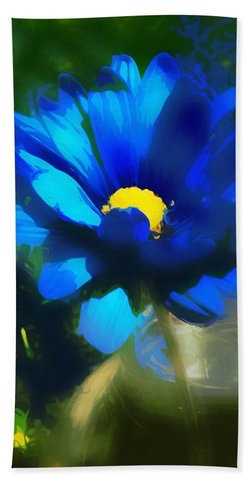 Daisy Bath Sheet featuring the photograph In The Light by Angelina Vick