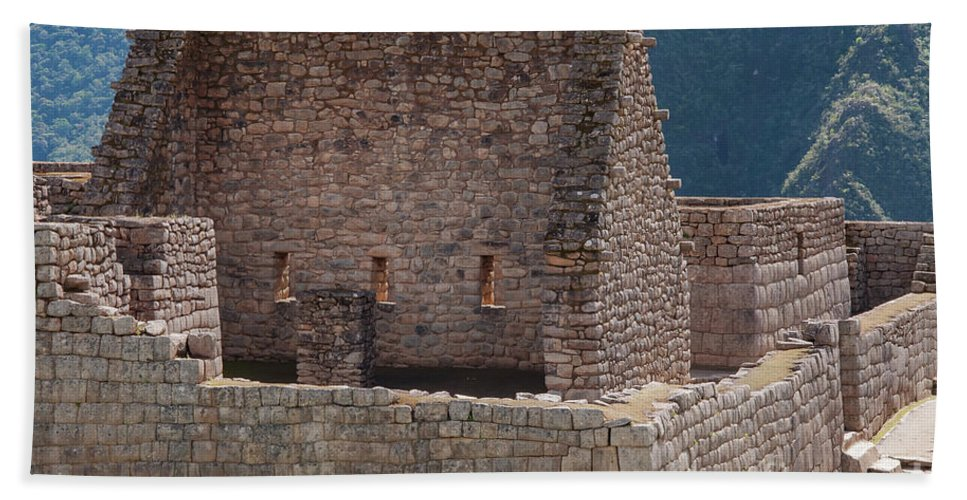 Inca Trail Hand Towel featuring the photograph Inca Structure by Bob Phillips