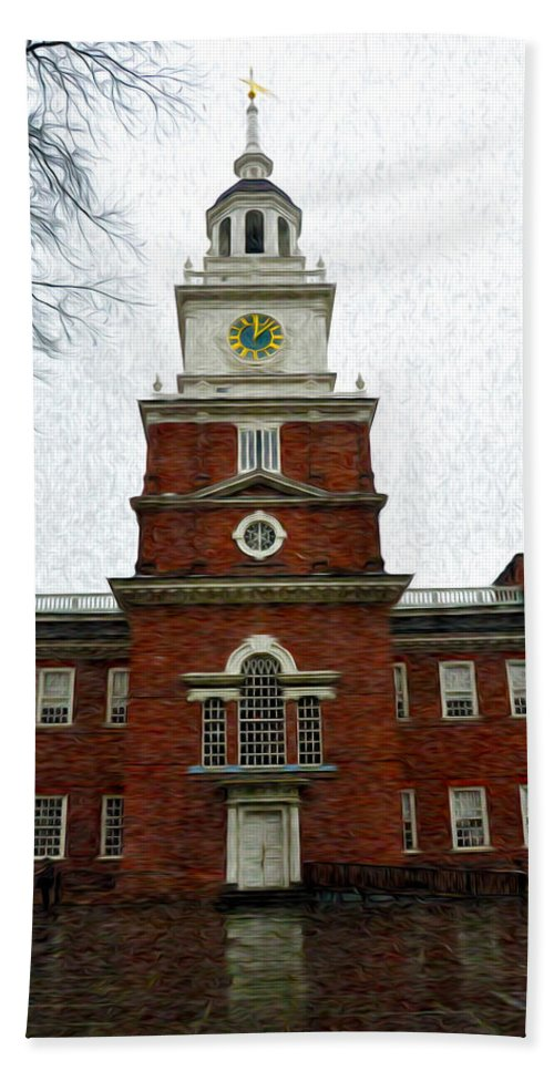 Independence Hall In Philadelphia Hand Towel featuring the photograph Independence Hall In Philadelphia by Bill Cannon