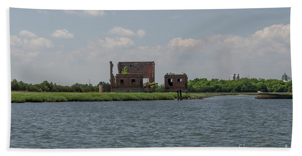 Coal Tipple Bath Sheet featuring the photograph Industrial Banks Of The Charleston Harbor by Dale Powell