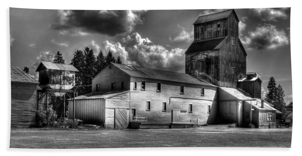 Industrial Landscape In Black And White Hand Towel featuring the photograph Industrial Landscape In Black And White 1 by Lee Santa