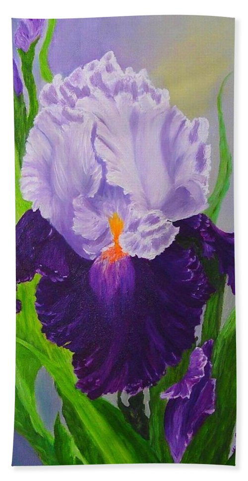 Floral Painting Bath Towel featuring the painting Iris by Peggy Holcroft