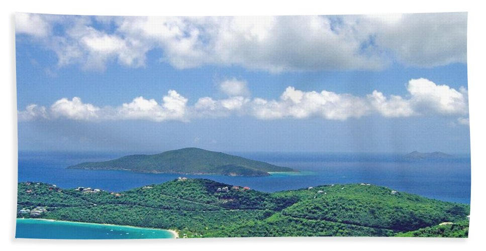 St. Thomas Hand Towel featuring the photograph Island Paradise by Gary Wonning