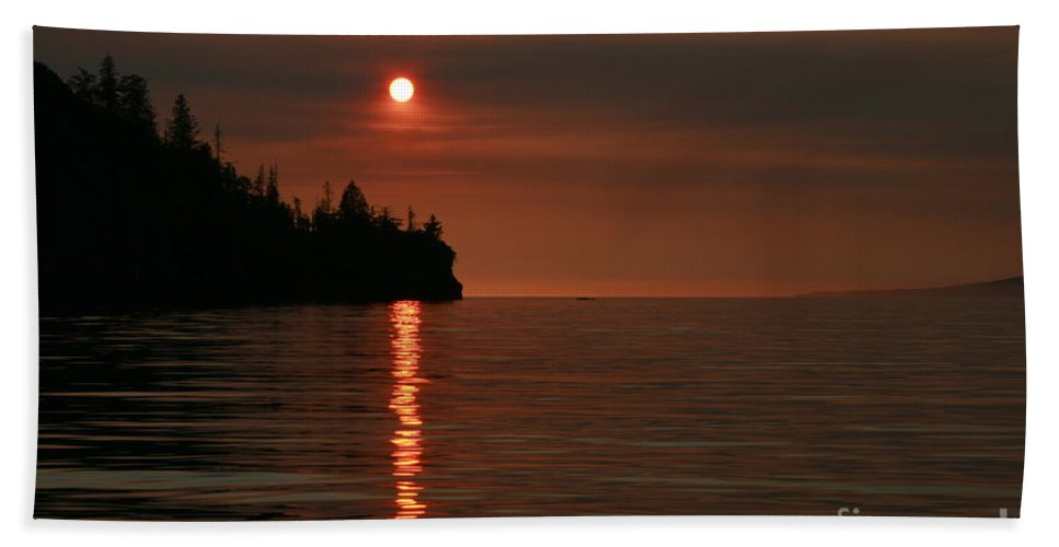 Ocean Bath Towel featuring the photograph Island Sunset by Rick Monyahan