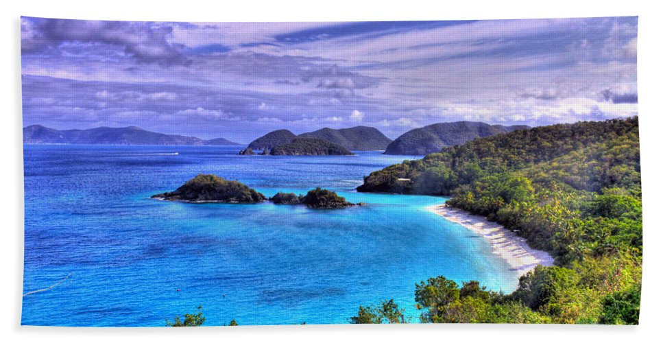 Island Hand Towel featuring the photograph Isle Of Sands by Scott Mahon