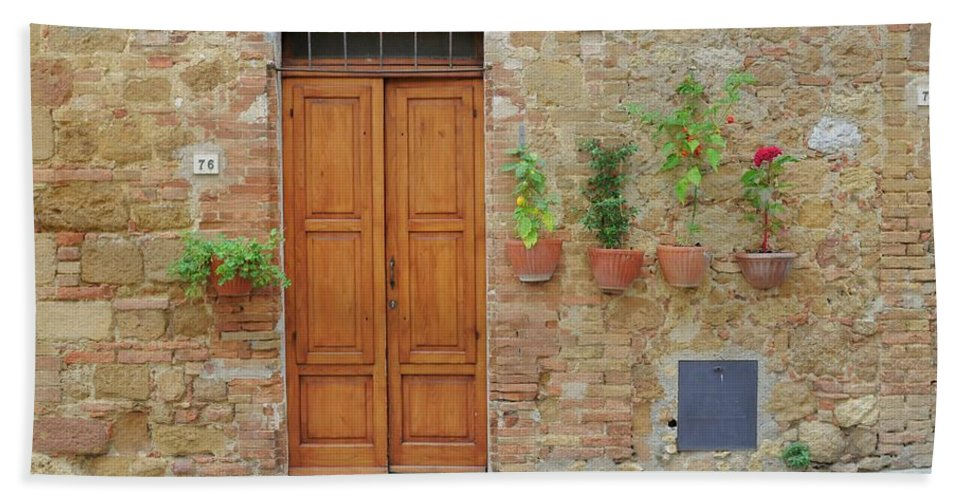 Europe Hand Towel featuring the photograph Italy - Door Twenty by Jim Benest