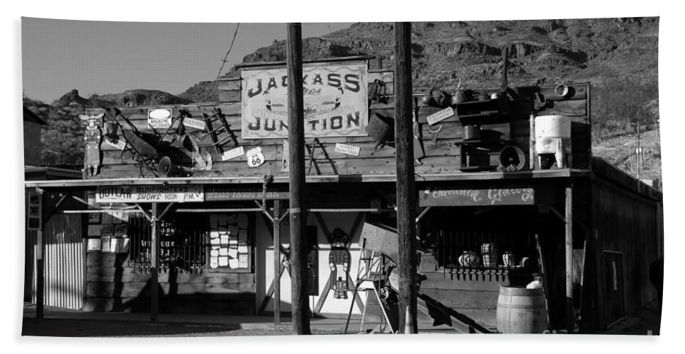 Arizona Bath Towel featuring the photograph Jackass Junction by David Lee Thompson