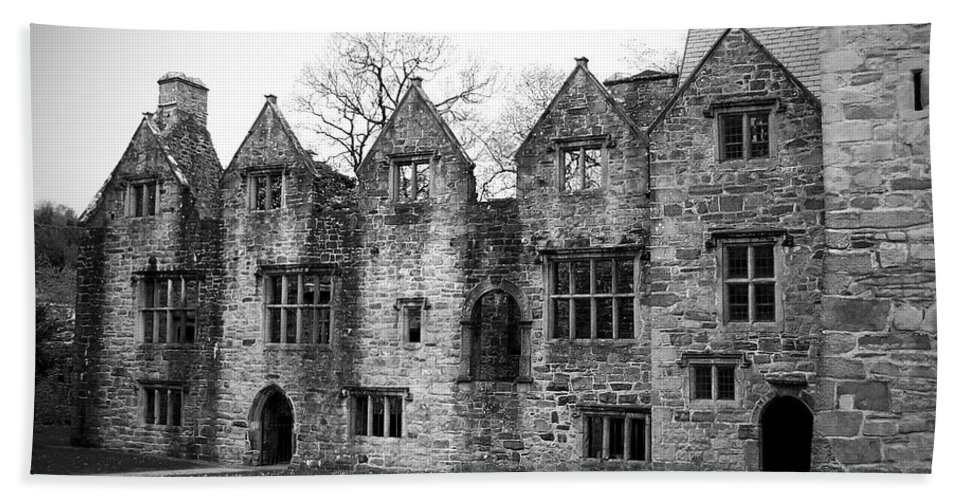 Irish Bath Towel featuring the photograph Jacobean Wing At Donegal Castle Ireland by Teresa Mucha